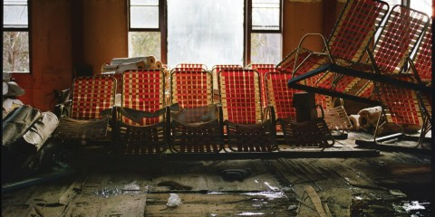 photographer-marisa-scheinfeld-decided-to-document-the-crumbling-hotels-she-frequented-as-a-child-here-pool-chairs-lay-abandoned-at-grossingers-catskill-resort-and-hotel